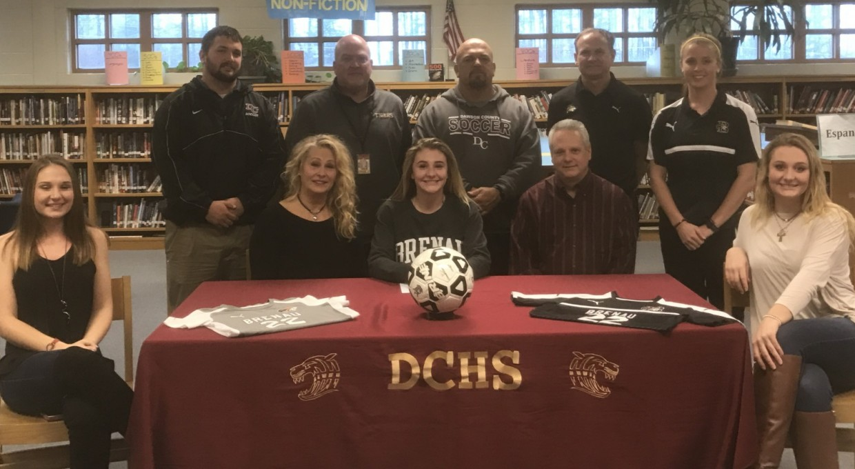 Photo for Soccer Signs Callas for 2017-18