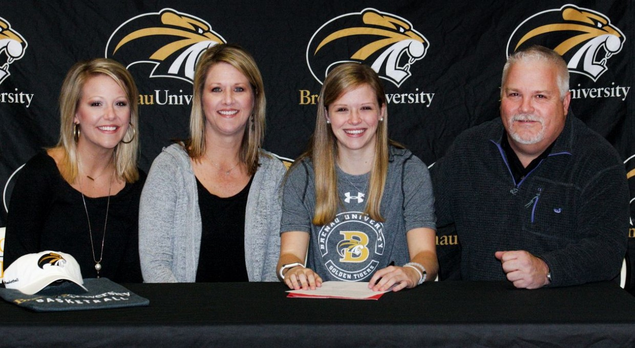 Photo for Bolt Commits to Brenau Basketball